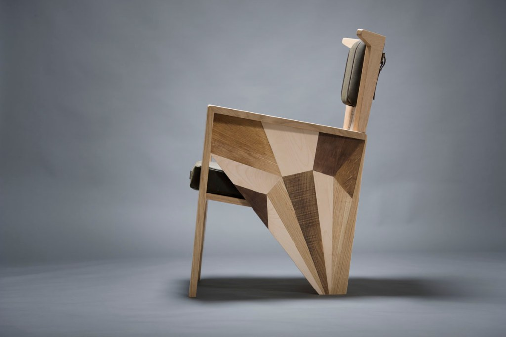 Poltroncina design contemporaneo artigianale Milano su misura in legno di recupero e waxed canvas