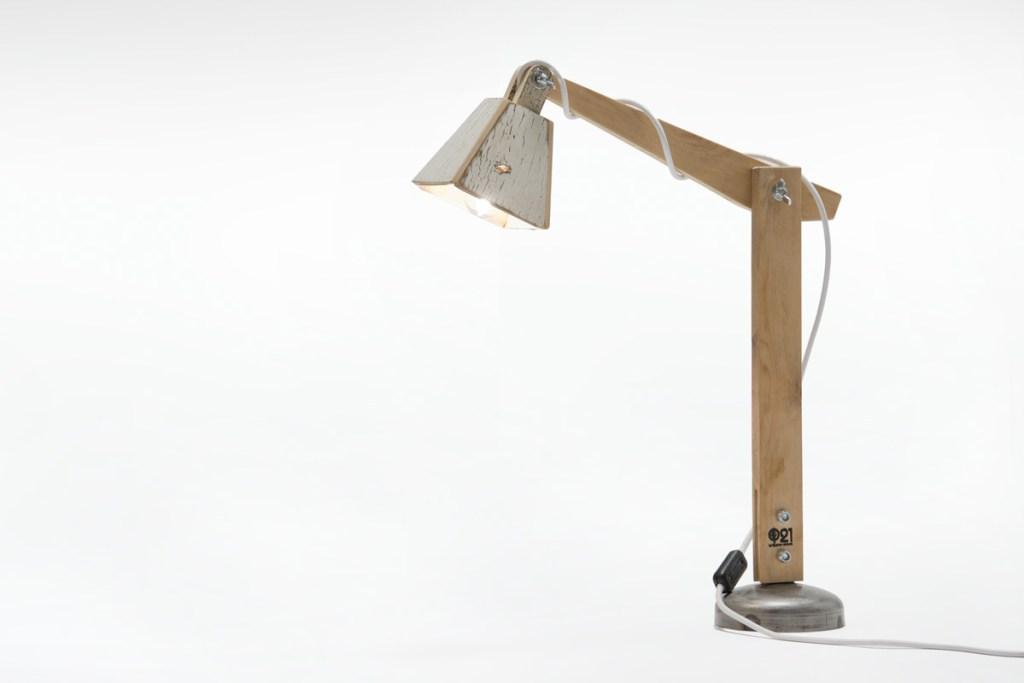 lampada n legno di recupero di abete Laquercia21