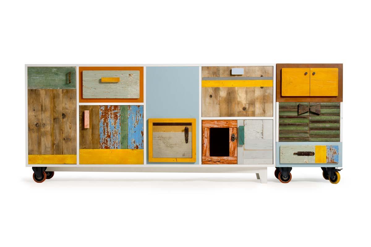 Buffett con sportelli e cassetti in legno riciclato con ruote colori