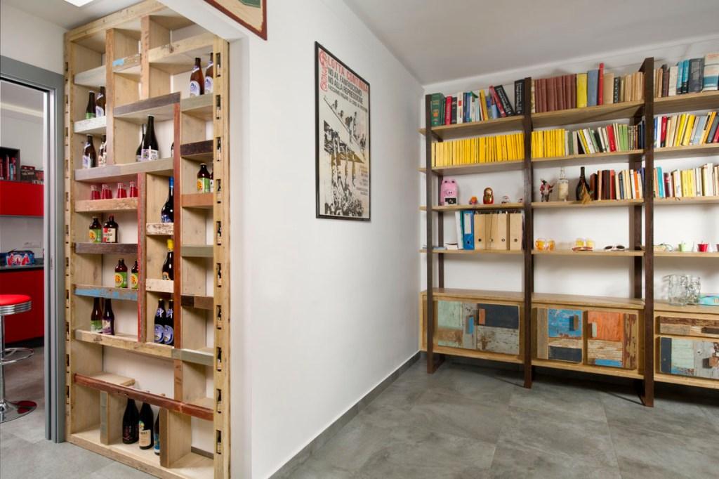 mobile per vino in legno vintage