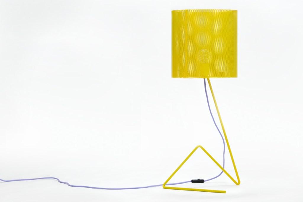 lampada da tavolo design ferro giallo