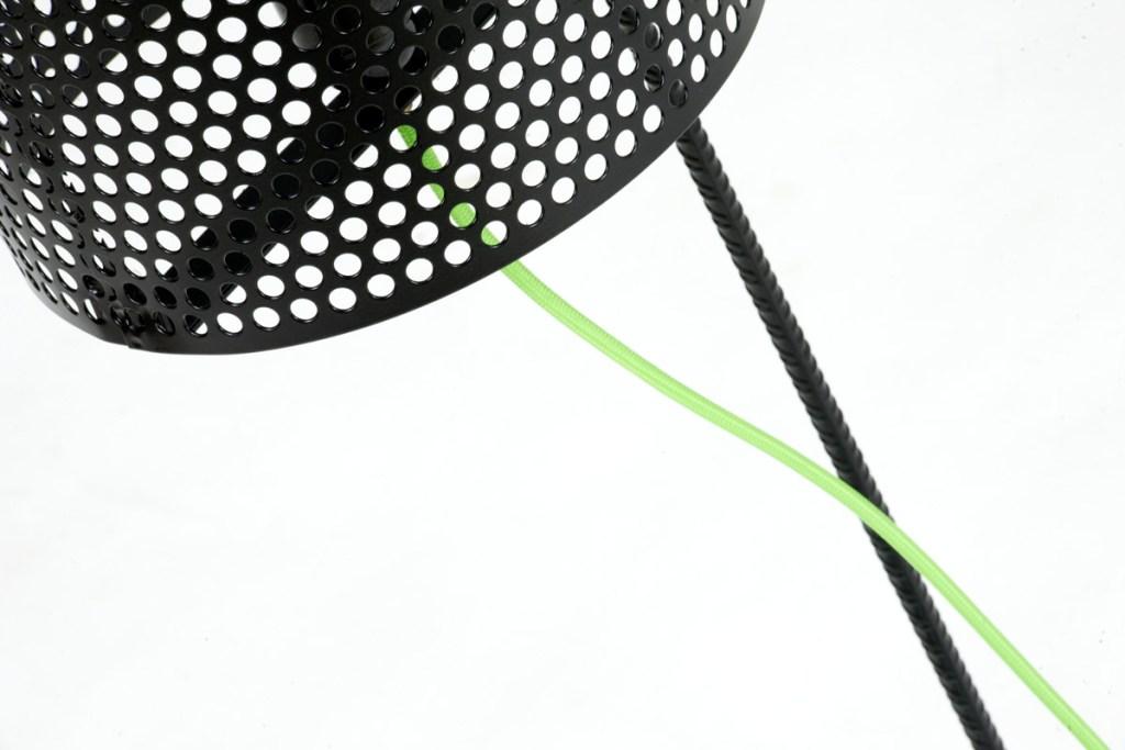 lampada da terra ferro nero e filo verde
