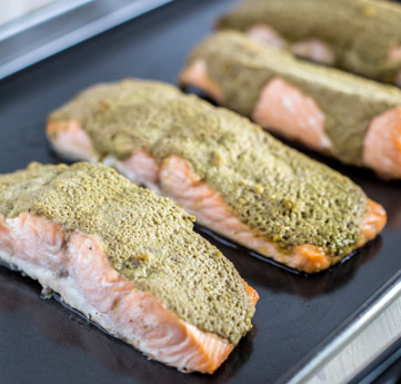 Do you need help planning your meals? Do you need meal prep ideas? If so then you'll love Prep Dish. Cilantro-Pesto Salmon with Roasted Mushrooms and Zucchini. #sponsored
