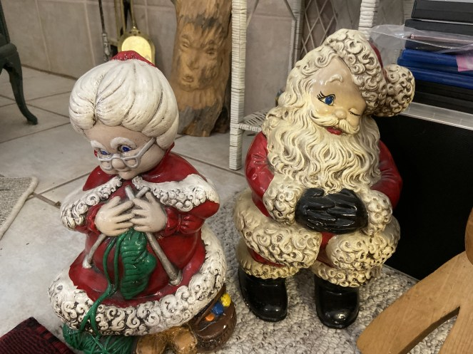 Mrs. Claus & Santa Claus (Plaster Craft)