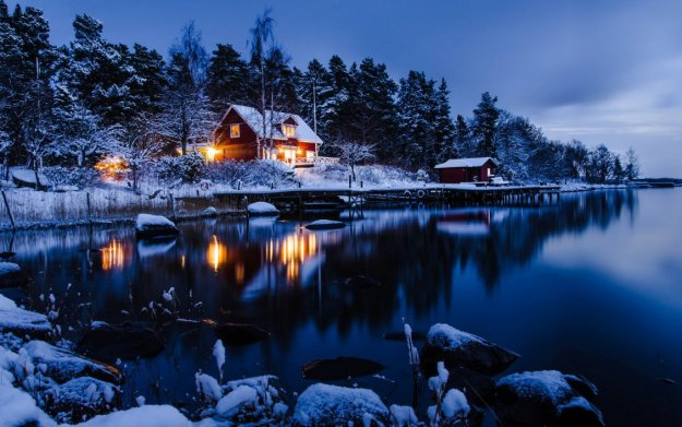 snowy-cottage-2