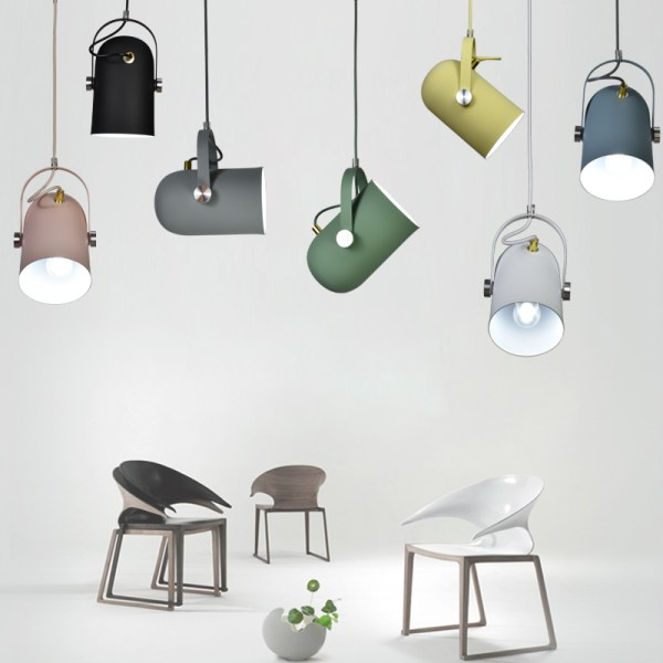 Lampes suspendues.