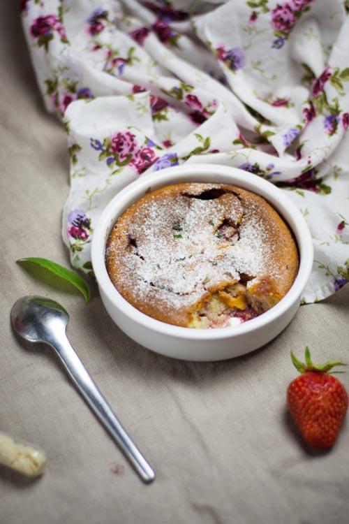 clafoutis fraise-verveine à la crème d'amande2
