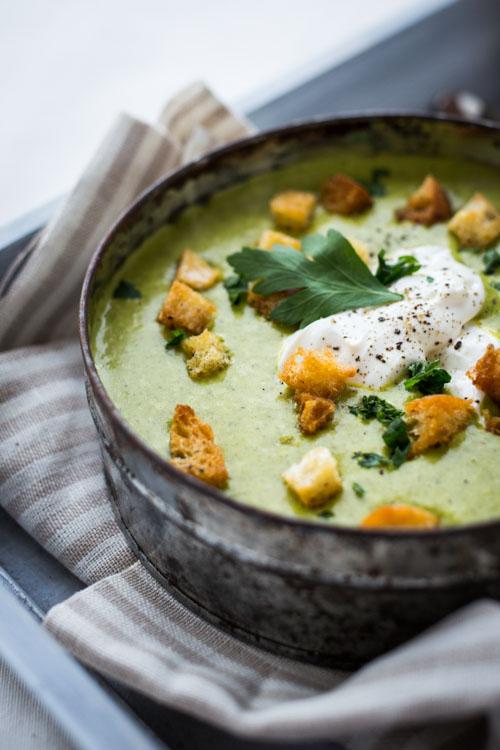 soupe de fanes de carottes au saint moret