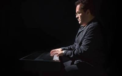 Clases de Piano para el verano. Imparte el músico y compositor Fabián Ayube.