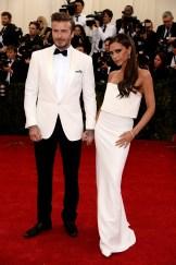 David e Victoria Beckham, ele em Ralph Lauren e ela em marca própria