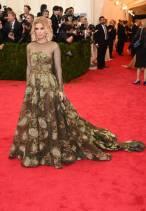 Kate Mara em Valentino