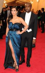 Kim Kardashian e Kanye West, ambos em Lanvin