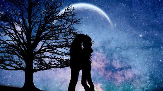 Luna piena in bilancia – L'amore è ciò che sei
