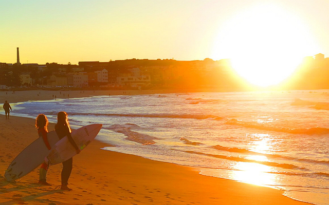 7 things you're guaranteed to see before 7am on Bondi Beach