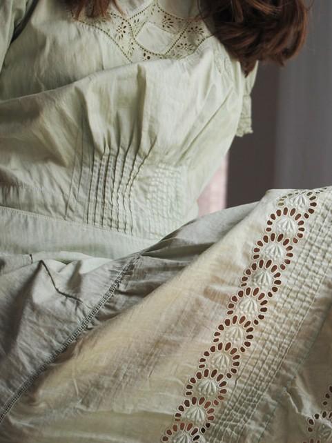 vestido-algodon-romantico-detalle