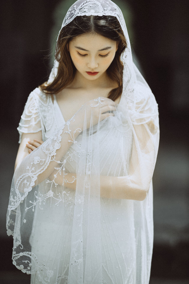 Bride-dress-simple-wedding