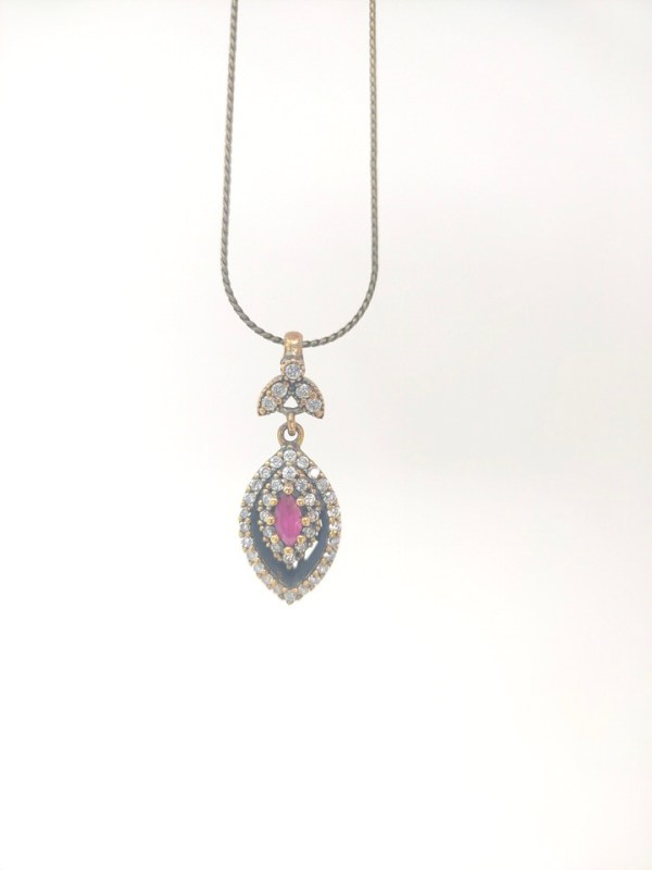 antique-jewel-necklace
