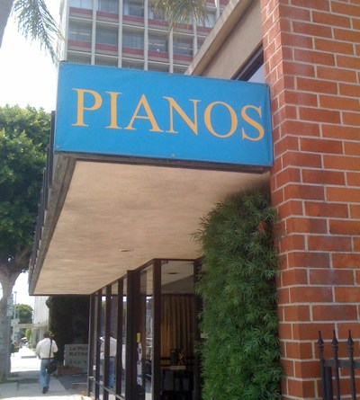 Pianos and Musical Instruments in Larchmont Village LA