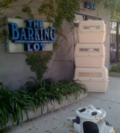 The Barking Lot pet supply store in Larchmont Village LA