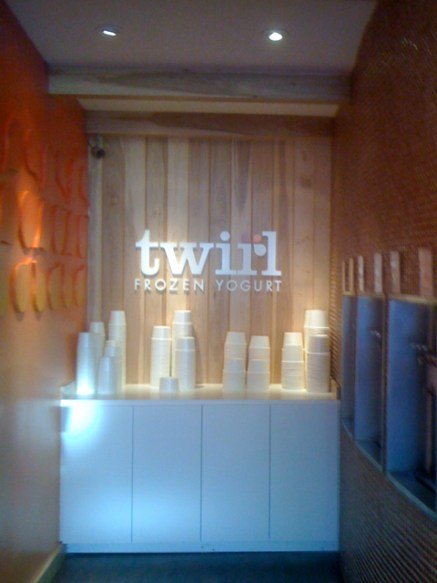 Twirl Frozen Yogurt in Larchmont Village