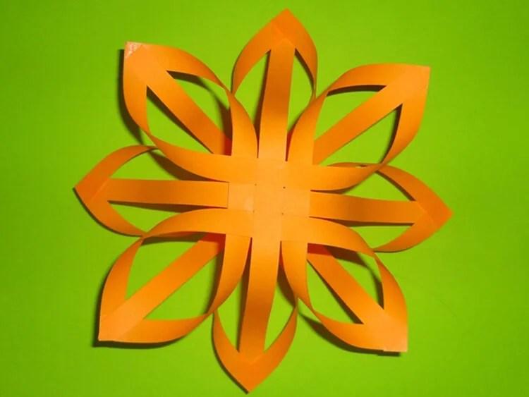 Жаңа жылға арналған әдемі түпнұсқа снежинкалар: өз қолдарыңызды, үлгілеріңізді жасаңыз, Snezhinki iz bumagi svoimi rukami 40
