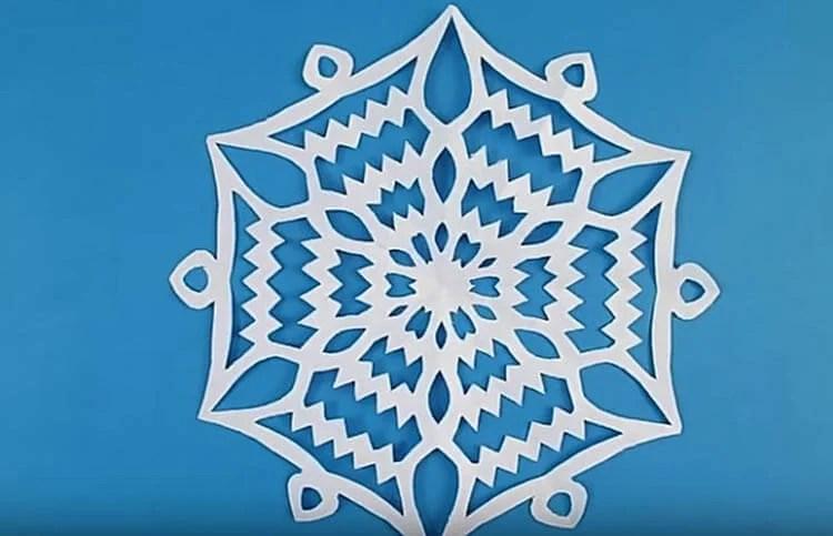 新年美丽的原始雪花:创建自己的手,模板与照片Snezhinki Iz Bumagi Svoimi Rukami 49