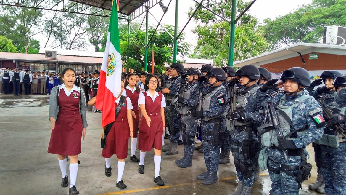 Gendarmería asiste a ceremonia  Cívica de Secundaria General No.1
