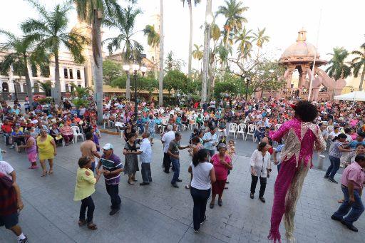 Gran tardeada en la Plaza de Armas de Tampico