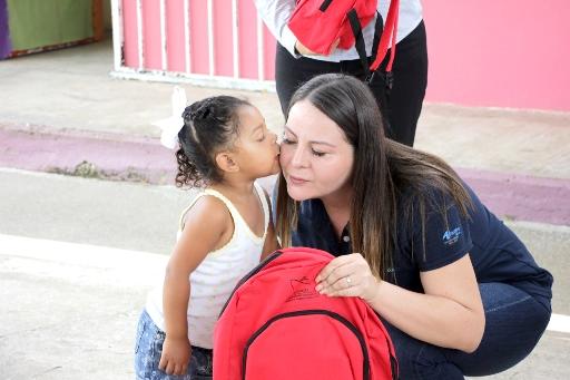 API y DIF Altamira entregan útiles escolares a los CAIC