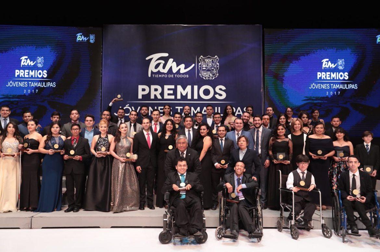 Entrega Gobernador PremioEstatal de la Juventud