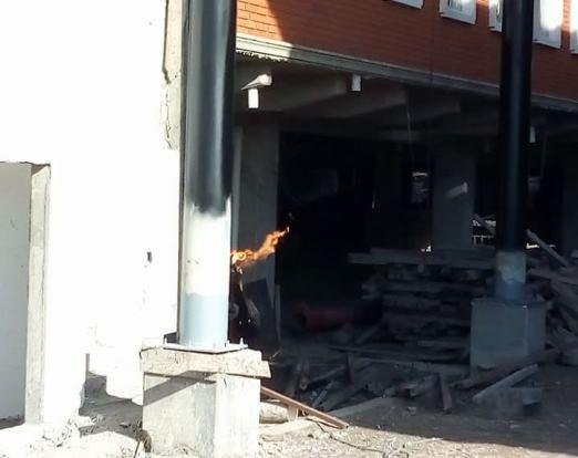 Flamazo en construcción de mercados municipales
