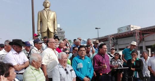 Alijadores dicen no al cambio del monumento a Isauro Alfaro