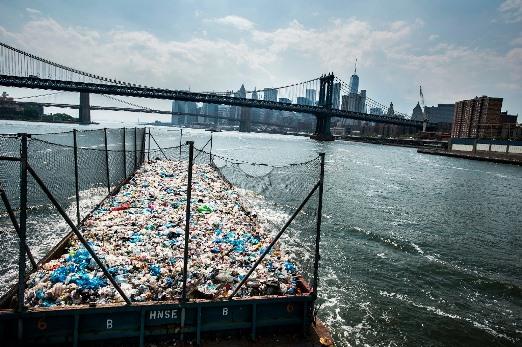 Científicos diseñan por accidente enzima que destruye plástico