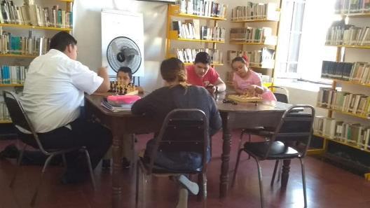 Brinda Biblioteca Municipal Apoyo a Estudiantes Locales