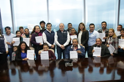 Consolidan generación de empleo con la entrega de 27 Actas de Bienes en Propiedad