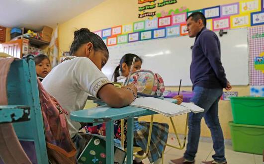 Pide SNTE a maestros defender conquistas