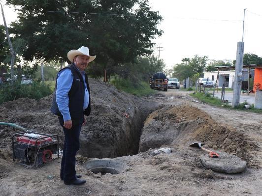 Gestione José Ríos rehabilitación de drenaje en Col. Tamaulipas