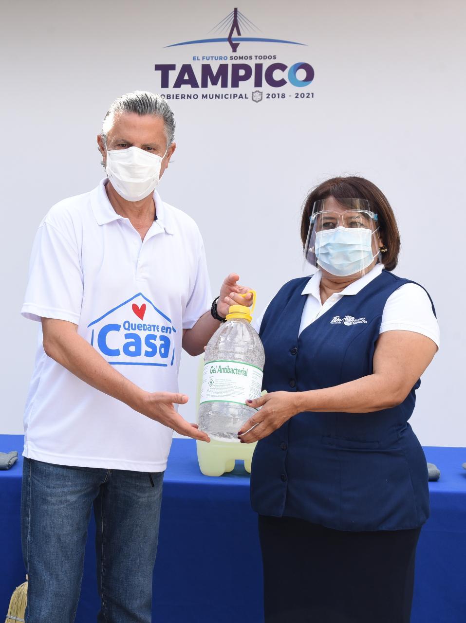 Inician sanitización y limpieza de escuelas