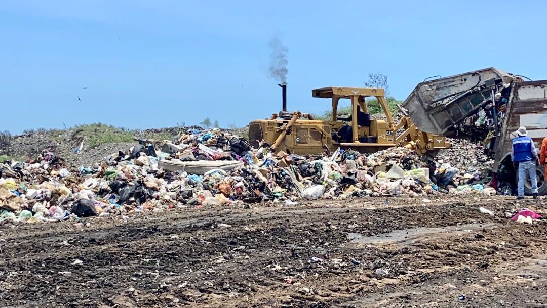 Limpieza y saneamiento del basurero en San Fernando