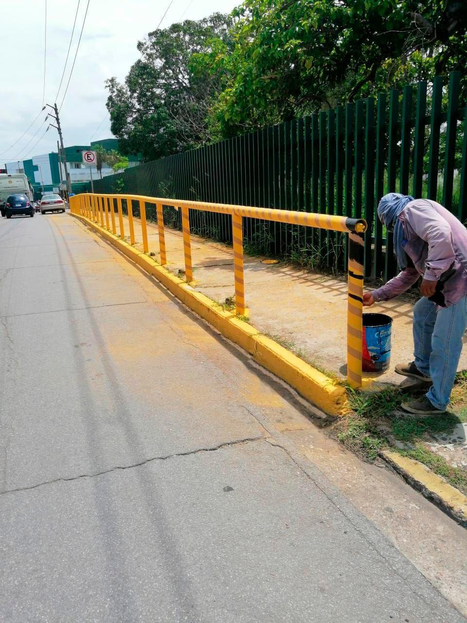 Inician mantenimiento a muros de contención