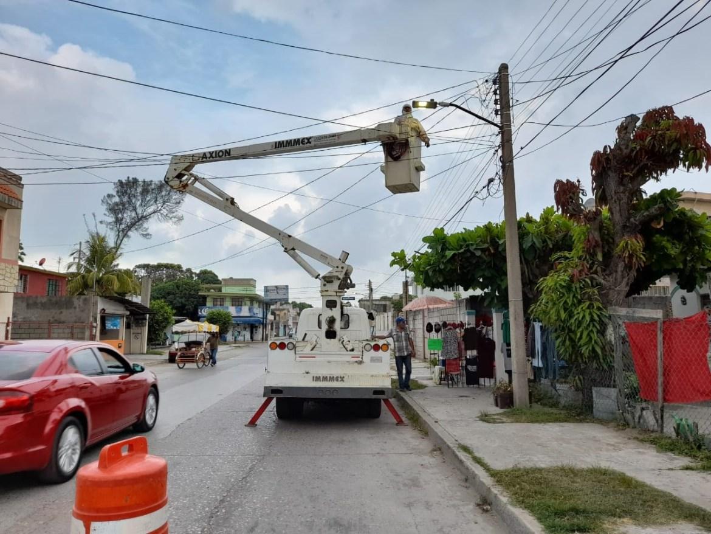 Gobierno Municipal refuerza mantenimiento de alumbrado público