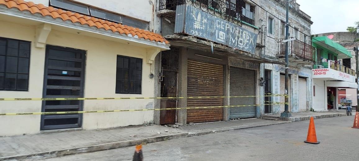 Detectan marquesinas peligrosas en centro de Madero