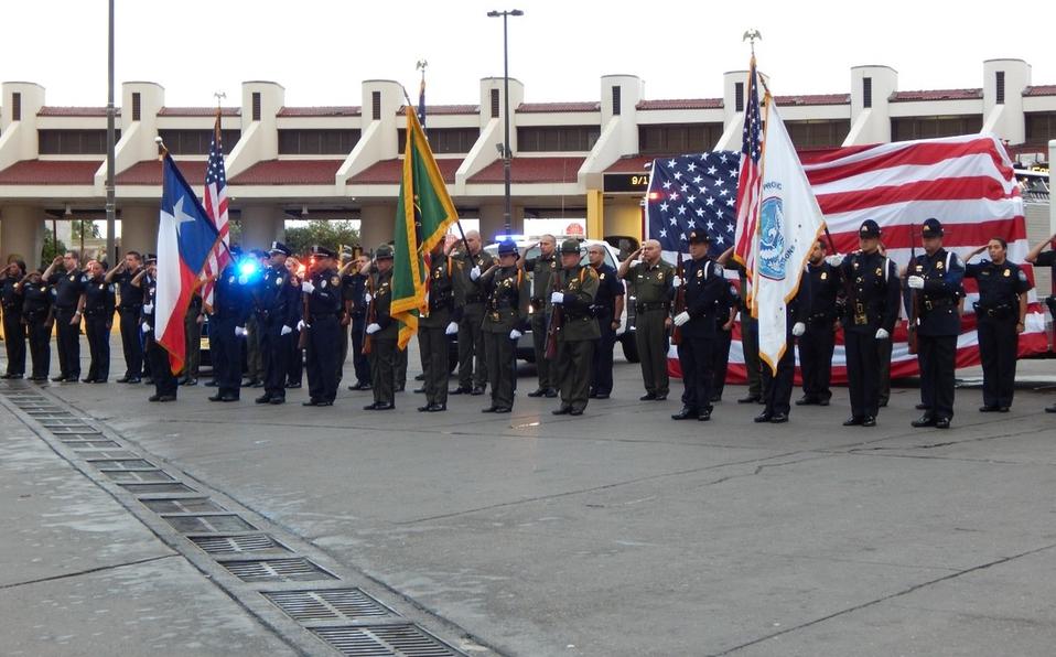 Cierra EU sus fronteras con Canadá y México, por ceremonia del 9/11