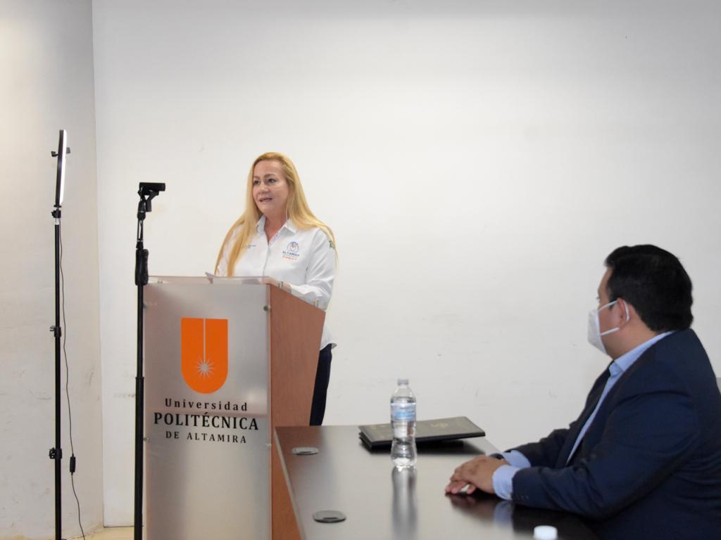 Presente alcaldesa en informe de actividades de la UP Altamira