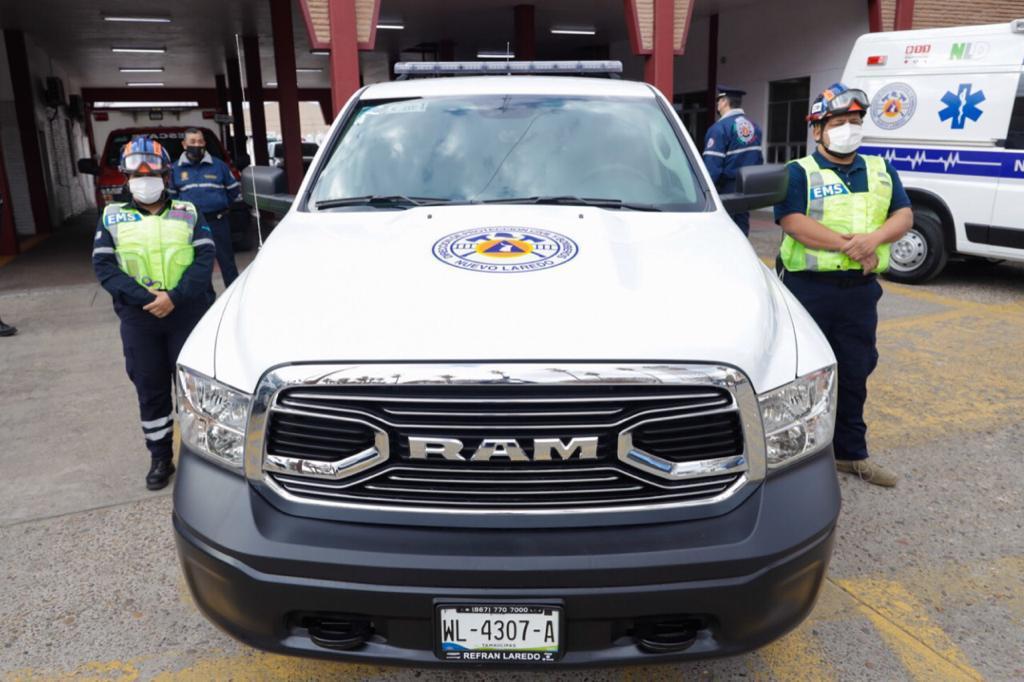 Entrega Rivas 2 ambulancias y camioneta nuevas a PCyB