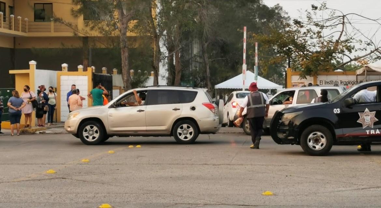 Exhortan a automovilistas del Drive Thru conducir con precaución