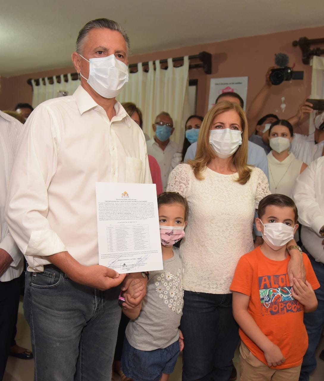 Recibe Chucho Nader constancia como alcalde electo de Tampico