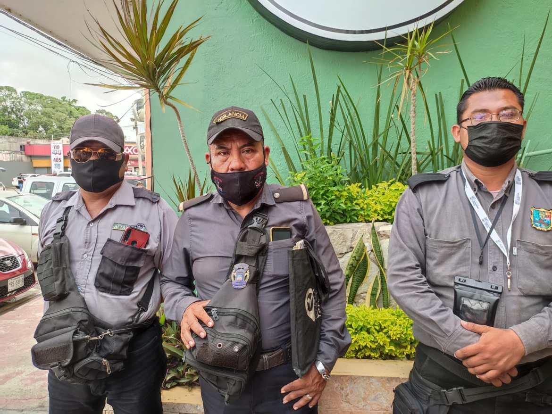 """Veladores de Altamira denuncian invasión y estafa por parte de """"veladores patito"""""""
