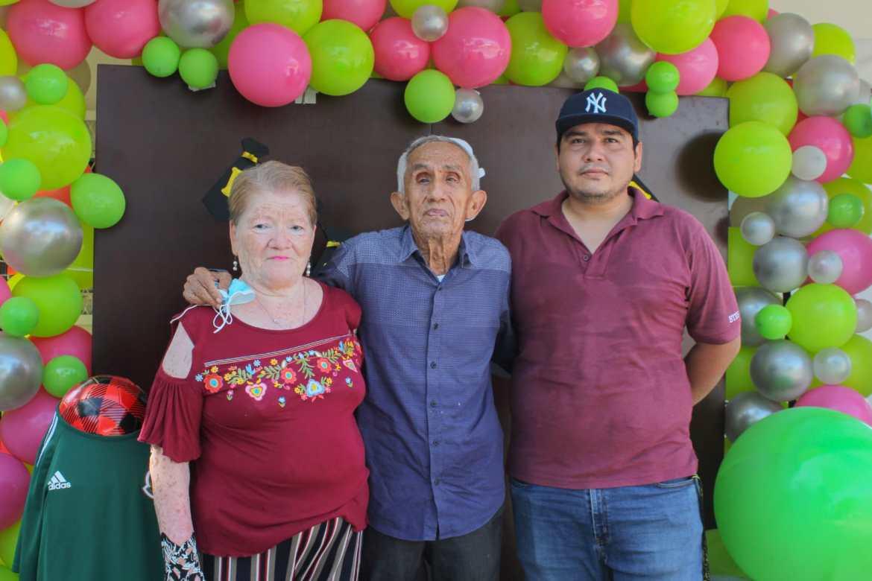Festejó DIF Madero Día del Padre con estand fotográfico