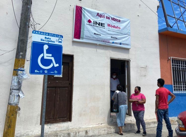 Suspenderá INE actividades por consulta contra expresidentes